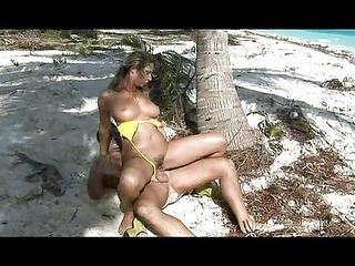 lady fucked on the beach