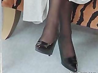 cougar amp in nylons use huge dildo
