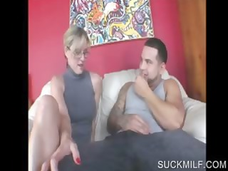 bleached lady sharing penis inside triple