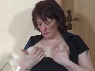 extreme milf insertion and squirt