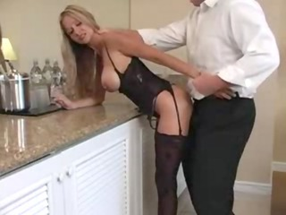 hot anal milf knows how to bang