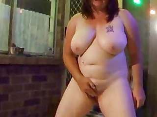 piss fat lady pissing