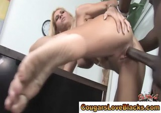 mature couger fucked by dark chap meat