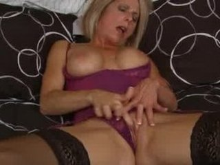 brief mature babe creams vagina
