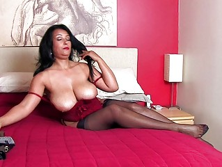 beautiful brunette momma with big bazongas inside