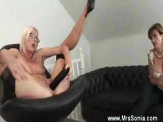 cougar spex pleases with vibrators