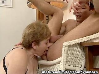 ladies is balls licking deepthroat