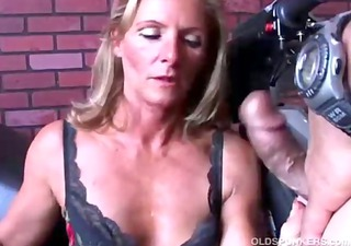 gorgeous d like to fuck in nylons acquires shafted
