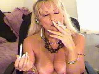 smoking like lady blond