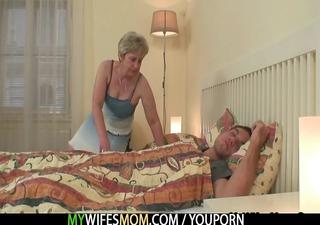 she is bonks her son in law as he is sleeps