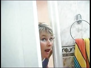 woman spying on son wish he was inside tub