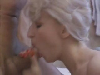 bleached lady slut licks for facial