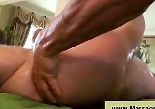 hawt oily booty massage