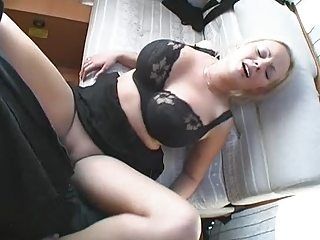 horny lady banged and facial inside roulotte
