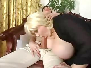 cougar bbw fucks a skinny dick